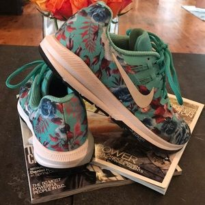 Nike Zoom Structure 20 sneakers!